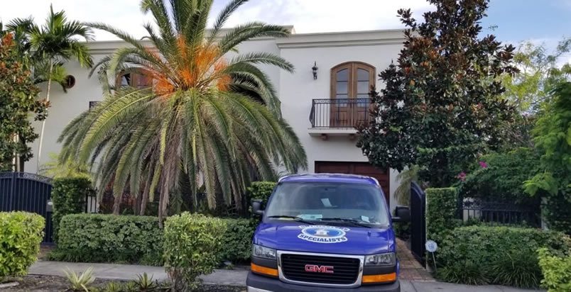 Miami fire damage restoration technicians near you